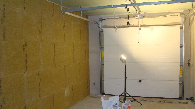 Wykończenie i docieplenie garażu wełną mineralną
