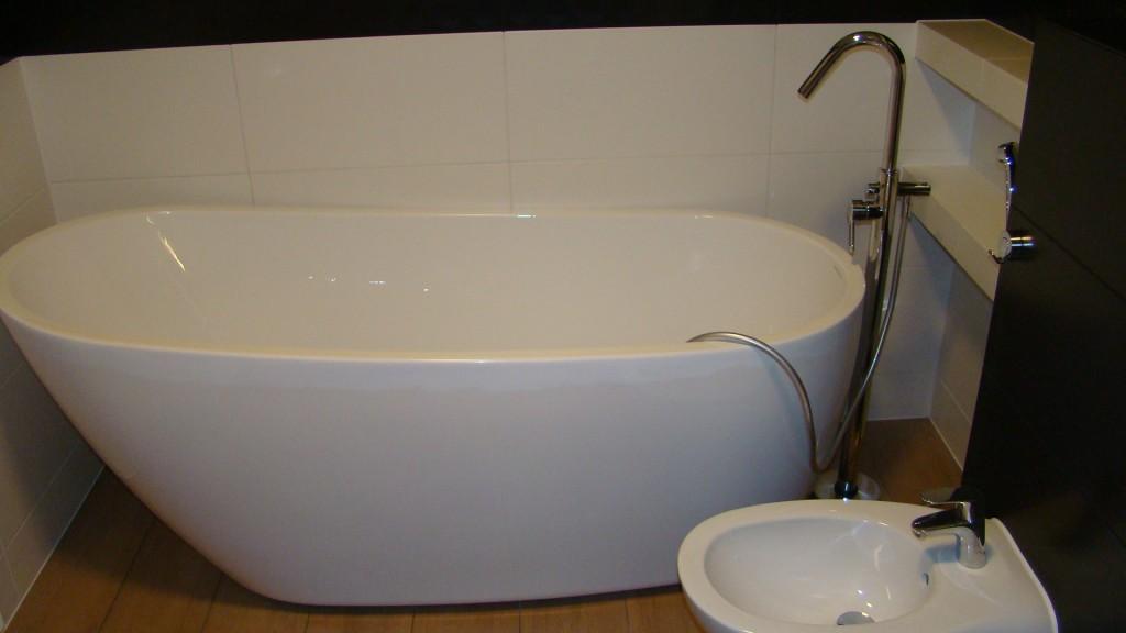 Glazura w łazience i wykończenie sufitu
